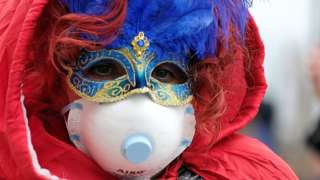 Coronavirus: Venice Carnival closes as Italy imposes lockdown